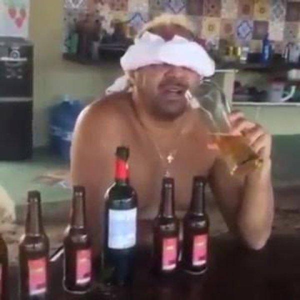 Tiririca ensina como o médico disse para ele beber, confira kkk!