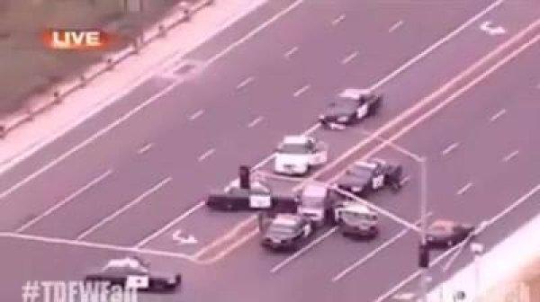 Motorista fugindo da polícia, vaja quantos carros foram necessário para detê-lo!