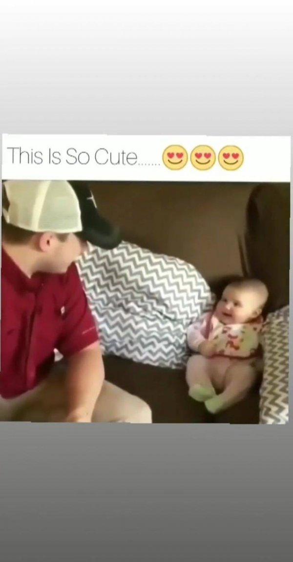 Bebês imitando seus papais, que coisa mais fofinhas, confira!