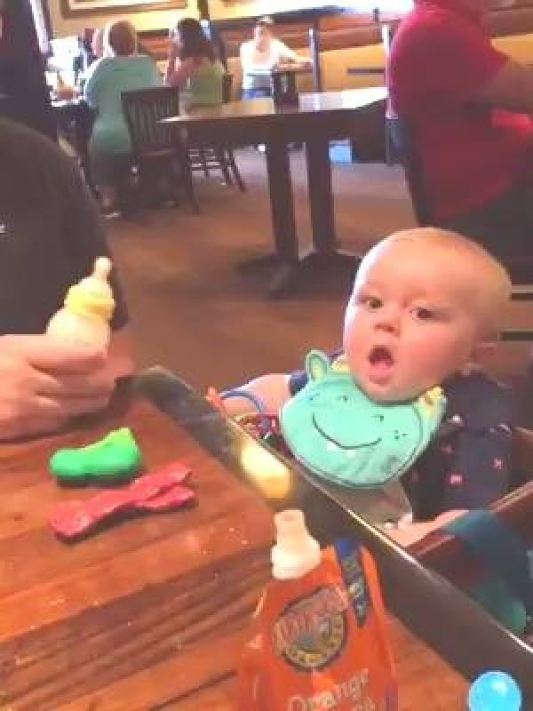 Deixando o bebê sozinho com o papai, para rir muito hahaha!