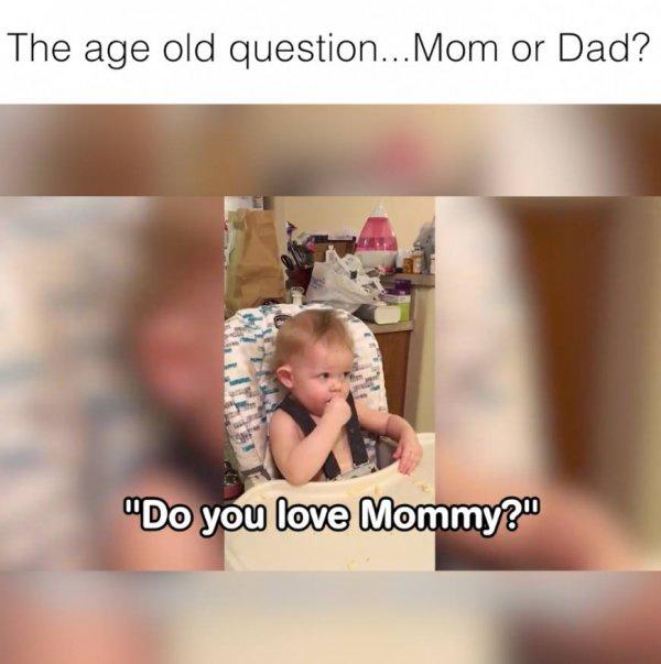 Dificuldade ao tentar ensinar os bebês falarem mamãe oi papai, confira!