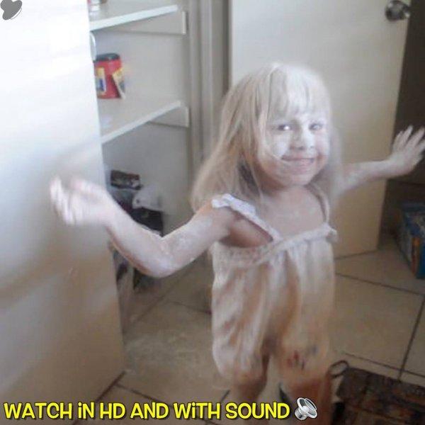 Crianças que resolveram brincar com a comida, pegando a mãe de surpresa!