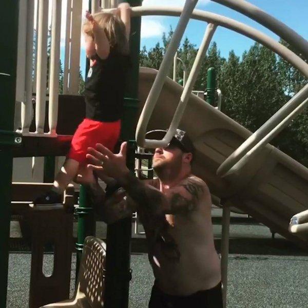 Papais e mamães que se descuidaram um pouco com as crianças!