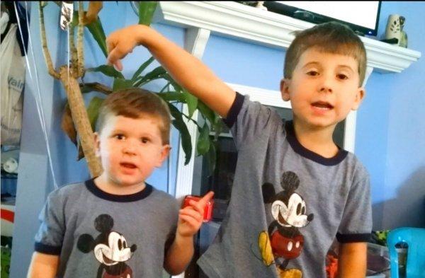 Video de crianças provando que irmãos são os nossos melhores amigos!