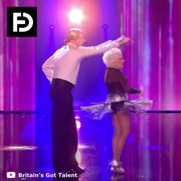 Senhora da um show de dança em programa de talentos, vale a pena conferir!!!