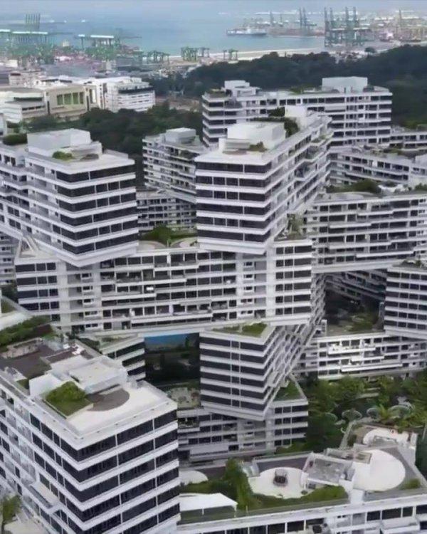 Impressionante prédio em Cingapura, veja que espetáculo de engenharia!!