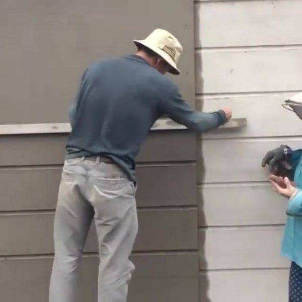 Como fazer frisos em reboco de fachada, fica muito bom!