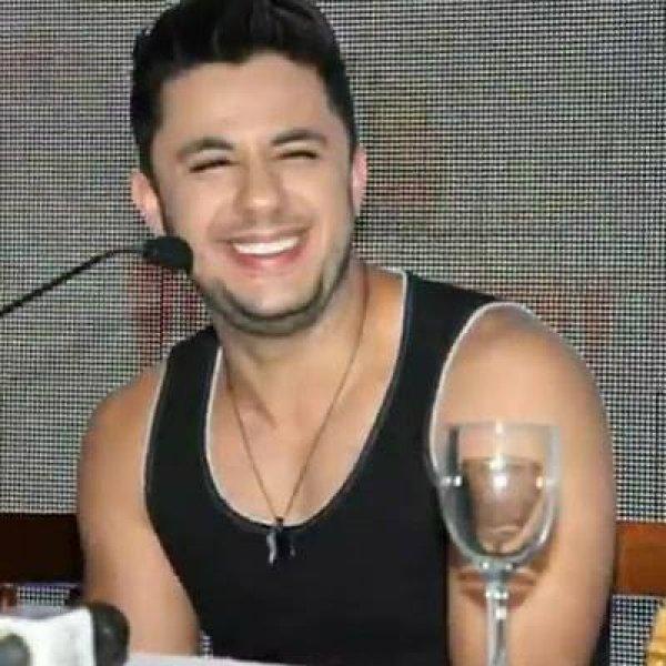Homenagem para o cantor Cristiano Araújo, compartilhe no Facebook!