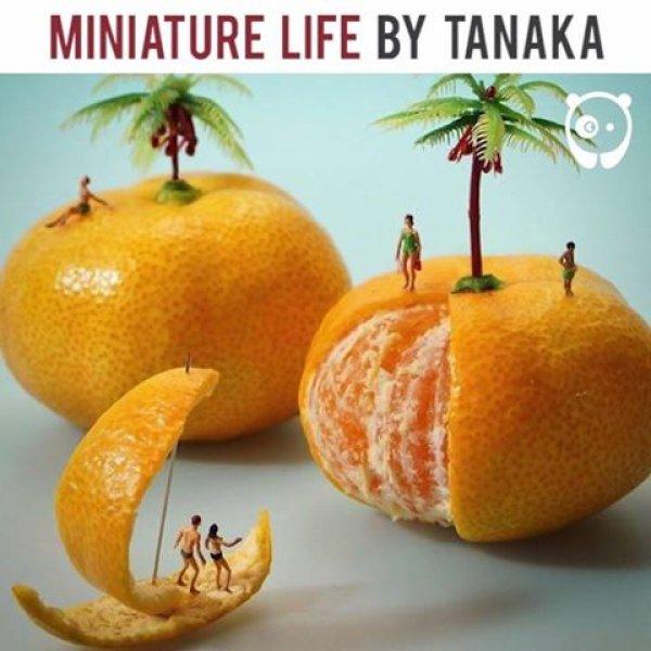 Miniaturas de pessoas com objetos grandes, a criatividade é muito legal!!!
