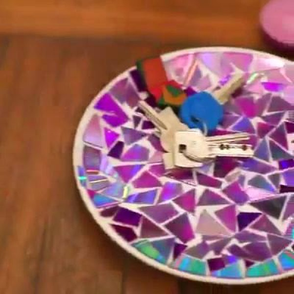O que fazer com CDs velhos? Descubra um lindo e legal artesanato no video!