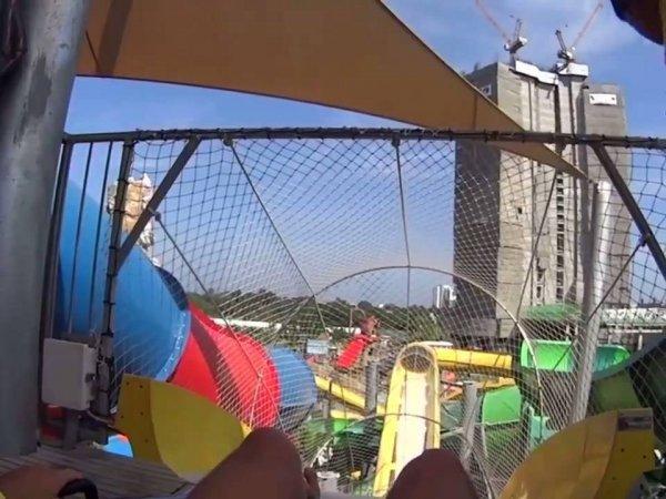 Toboágua filmado do começo ao final, muita adrenalina!