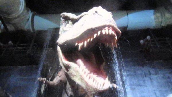 Vídeo muito legal com passeio no Parque dos Dinossauros, simplesmente fantastico