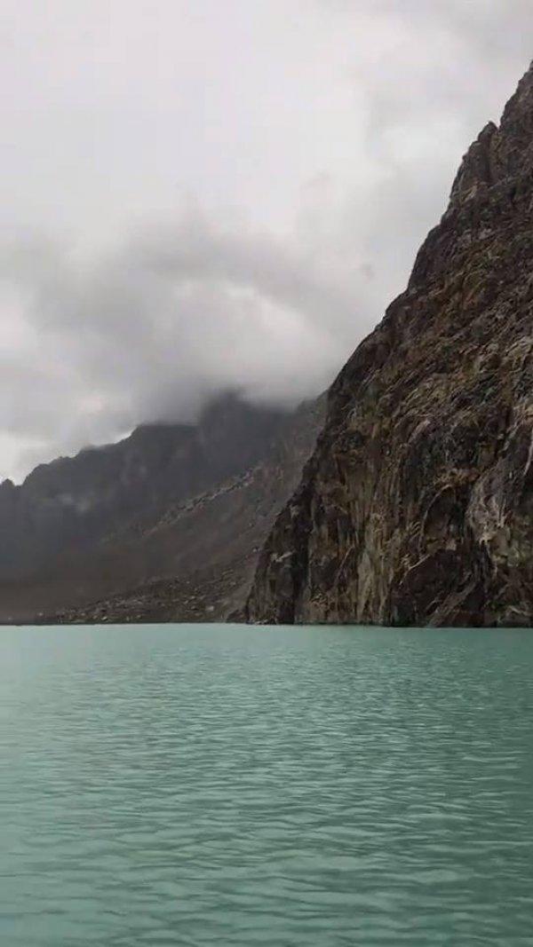 Conheça pedacinho do Lago Hunza no Paquistão, veja que lugar lindo!!!