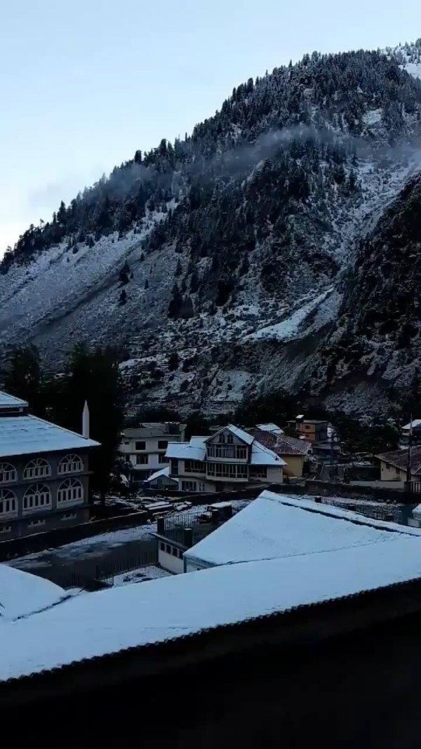 Paisagem após nevasca, veja que lindo estas montanhas, natureza espetacular!!!