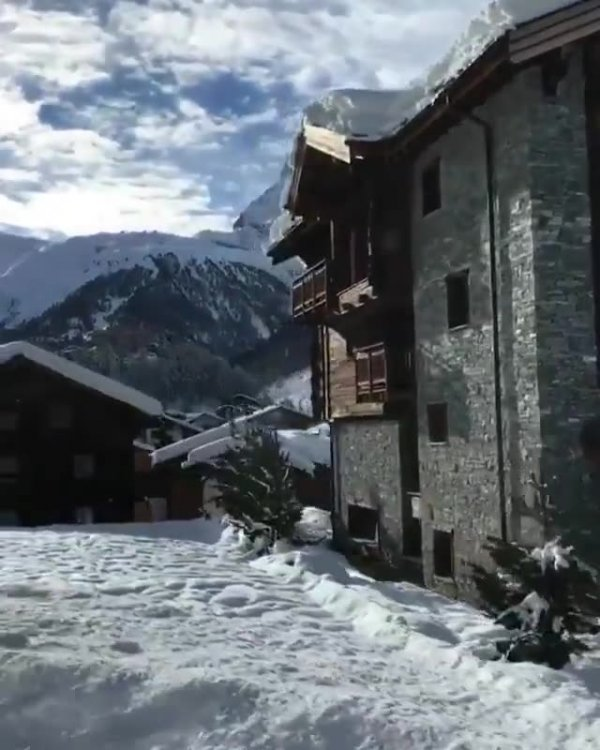 Vídeo mostrando lindos Alpes Suíços no inverno, simplesmente maravilhoso!!!