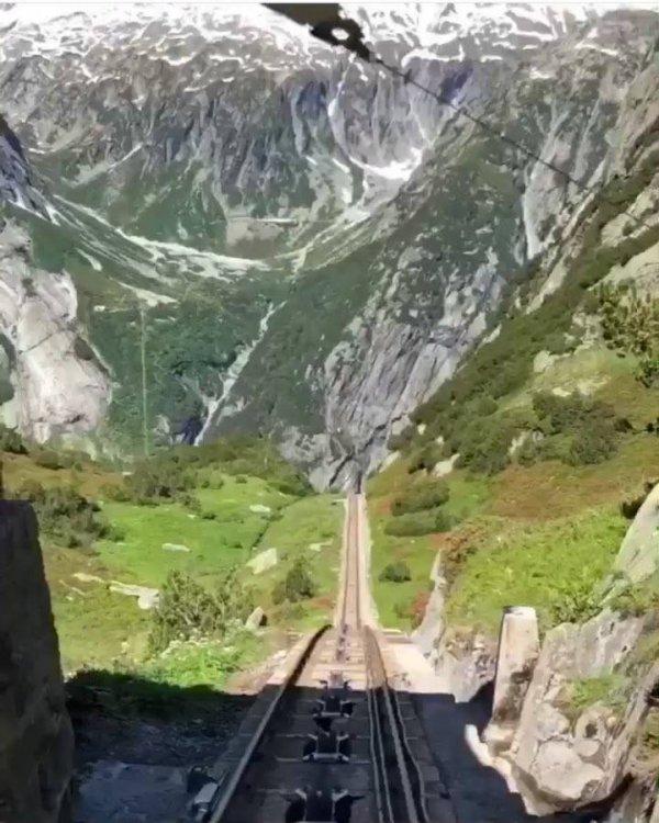 Vídeo mostrando passeio pelas montanhas da Europa, veja que lindo!!!