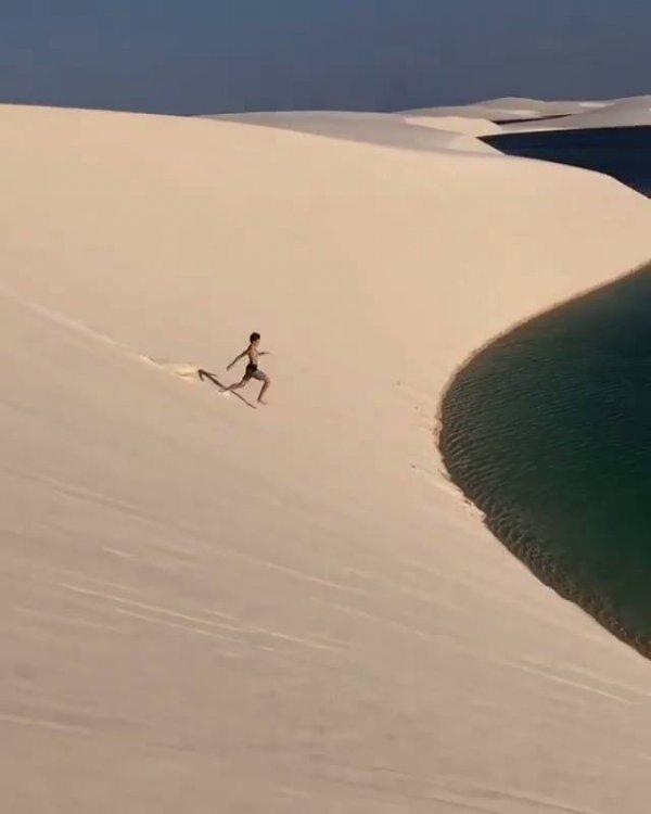 Vídeo mostrando pedacinho das dunas em Natal-Brasil, que lugar lindo!!!