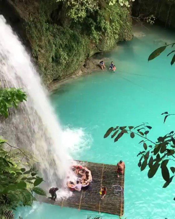 Vídeo mostrando pedacinho de Cachoeira Kawasan na cidade Cebu-Filipinas!!!