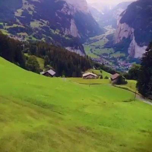 Vilarejo em algum lugar da Europa, veja que paisagem linda!!!