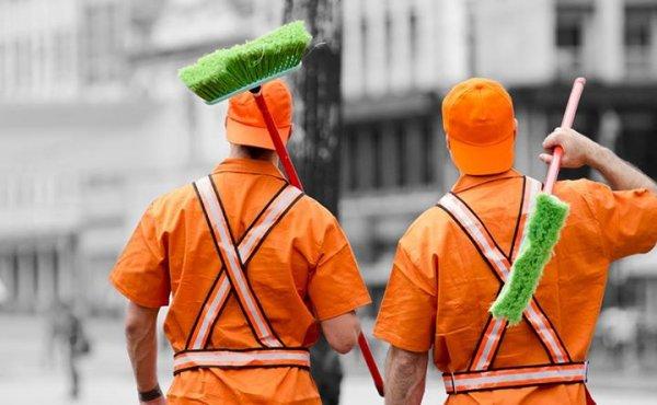 16 de Maio é dia do Gari, faça chuva ou sol eles deixam a cidade mais limpa!