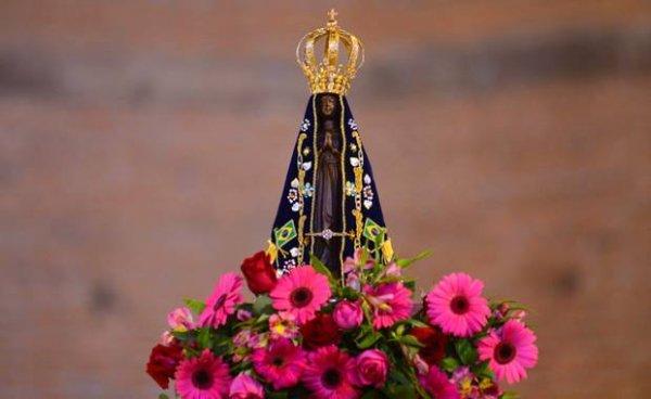 Nossa Senhora Aparecida, Rainha e padroeira do Brasil, rogai por nós!!!