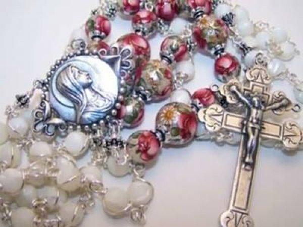 Oração a Nossa Senhora do Rosário, rogai por nós hoje e sempre!