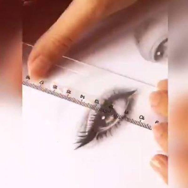 Desenho de olho, olha só a perfeição destes traços, é fascinante!!!