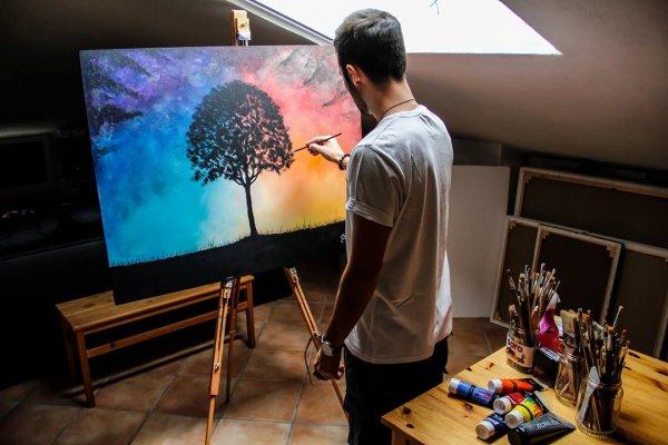 Vídeo mostrando pintura em quadro com tinta, veja que linda paisagem!!!