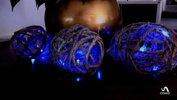Bolas de cordinhas feitas com bexigas e cola, para enfeitar seu Natal!
