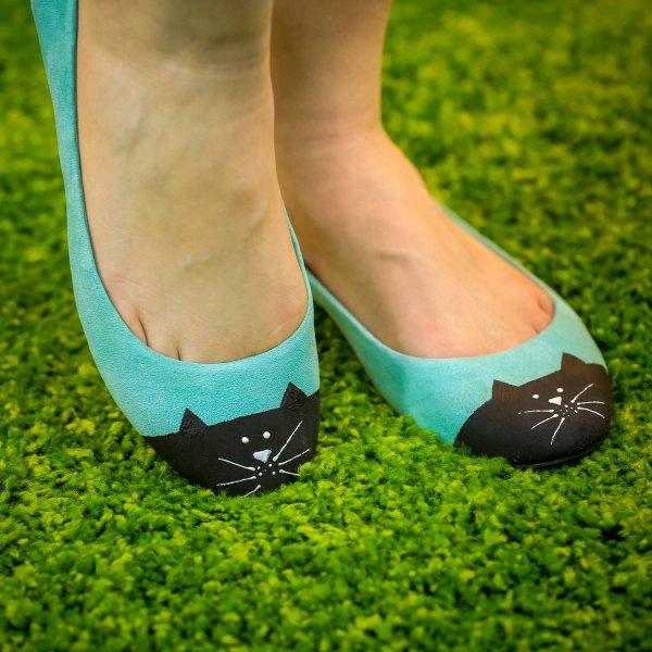 Customizar sapatilhas velhas, deixe elas com outra aparência, confira!
