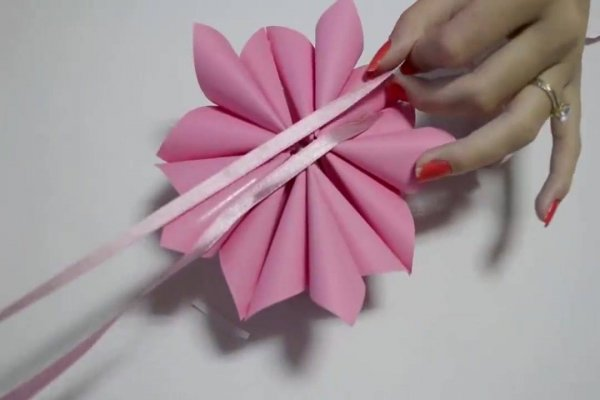 Enfeite global Origami de flores, perfeito para enfeitar festas!