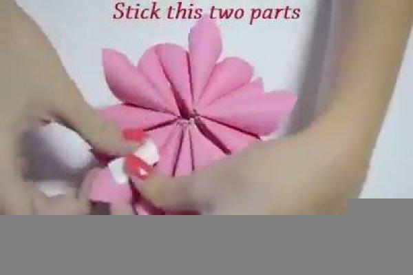 Flor de origami maravilhosa, vale a pena conferir o passo a passo!!!