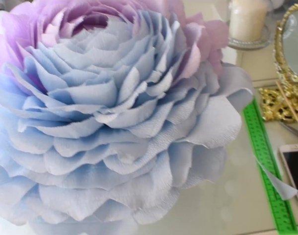 Flor grande para fazer em bola de isopor, fica um lindo enfeite!