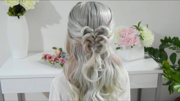 Inspiração de penteado para você fazer em suas clientes, olha só que lindo!!!