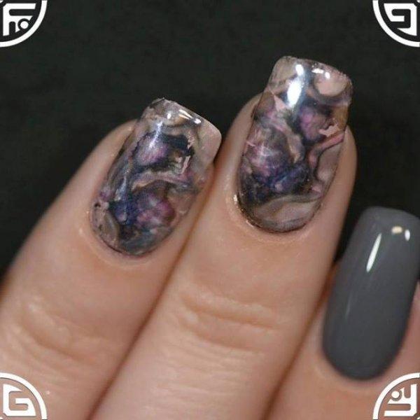 Inspiração de unhas decoradas com aplicação de película e pó cromado!!!