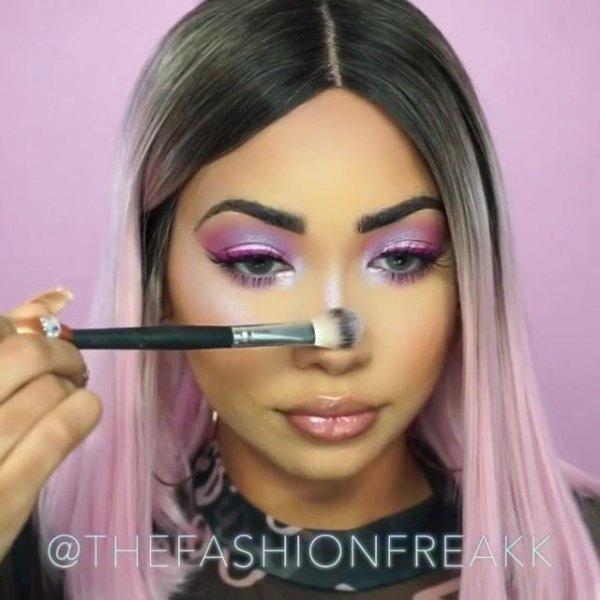 Maquiagem com efeito futurista, para mulheres ousadas e que gostam de aparecer!