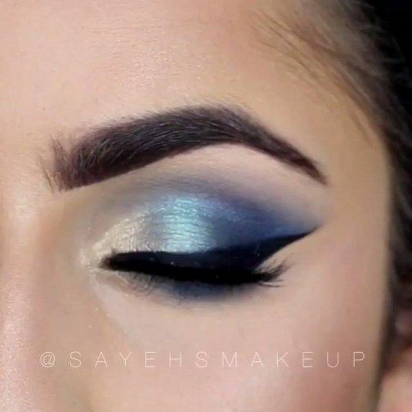 Maquiagem com tons azuis, perfeita para curtir a balada do fim de semana!