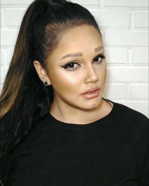 Maquiagem transforma moça em cantora famosa, sabe qual é a cantora?
