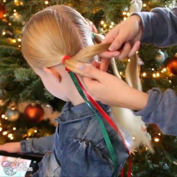 Maria-chiquinha para garotinhas com tema natalino, veja que lindinho!!!