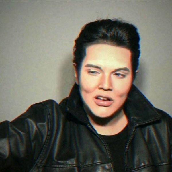 Mulher faz maquiagem incrível para se parecer com cantor famoso!
