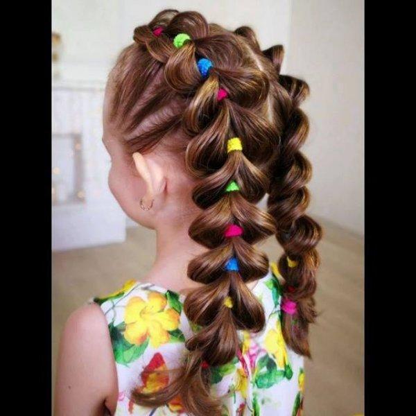Penteado infantil com lacinhos coloridos, super fácil de aprender!