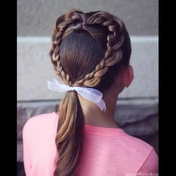 Penteado para menias com formato de coração, veja que coisa mais linda!!!