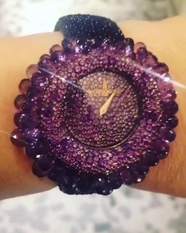 Relógio feminino mais lindo que você vai ver hoje, confira!
