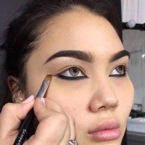Tutorial de maquiagem com sobras para os olhos perfeitas, confira!!!!