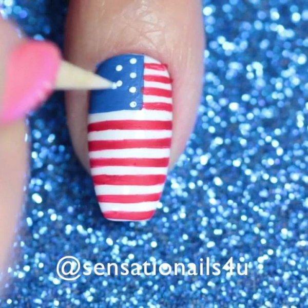 Unha decorada com bandeira americana, olha só que linda que ficou!!!