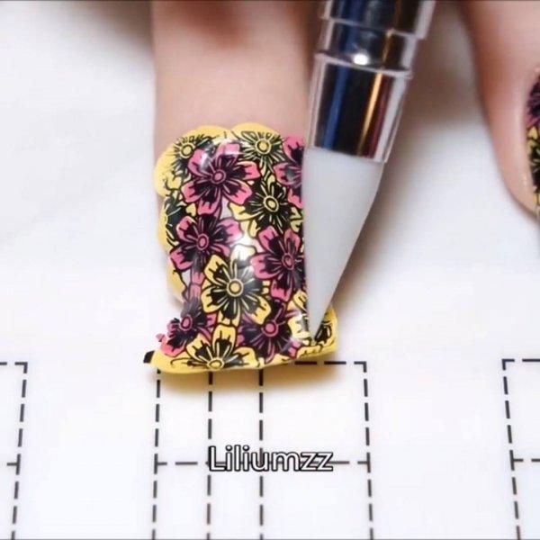 Unhas decoradas com lindos desenhos, você vai se apaixonar por cada uma delas!