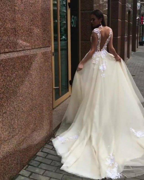 Vídeo com lindo vestido de noiva, olha só que coisa mais linda!!!