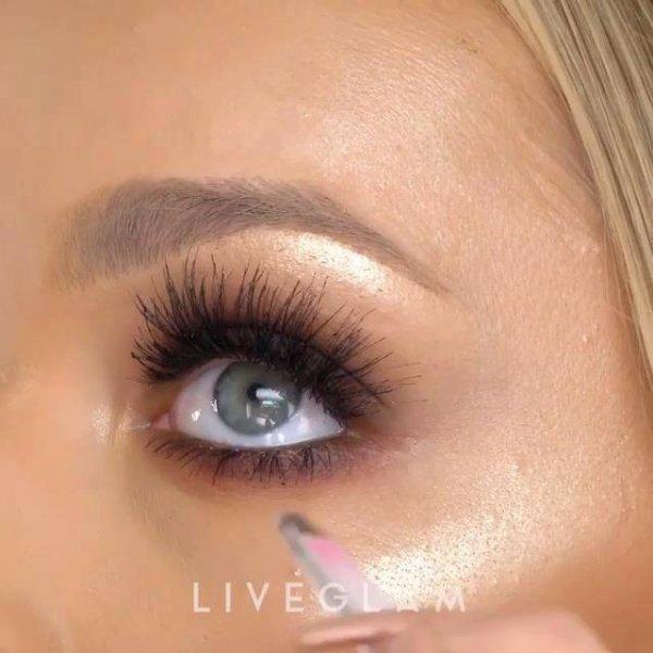 Vídeo com maquiagem completa para você se inspirar para arrasar com as clientes!