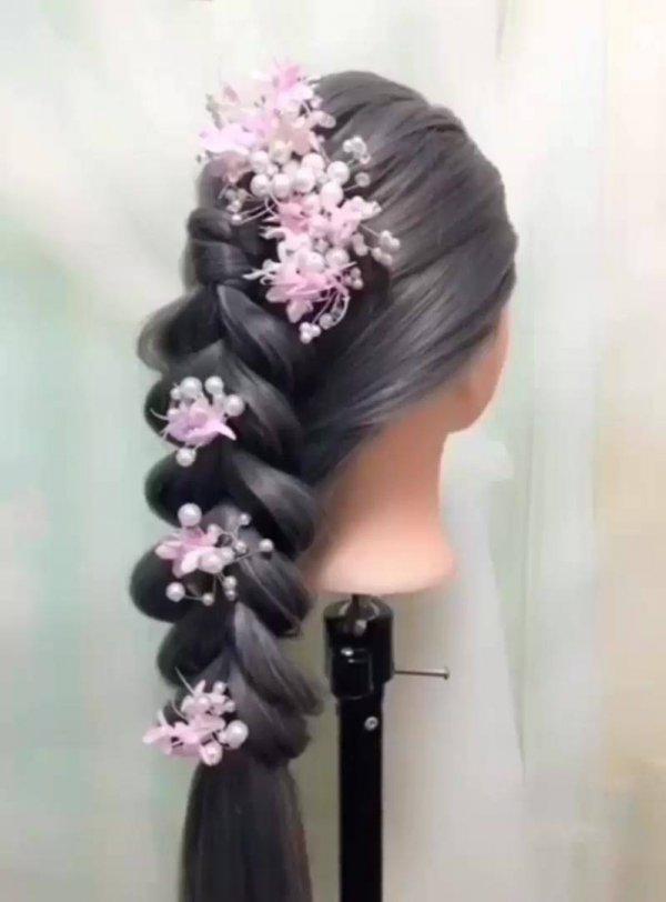 Vídeo com vários penteados para te inspirar a fazer em suas clientes!!!