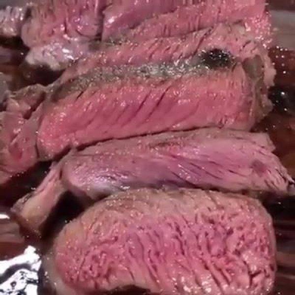 Carne assada ao ponto que vai deixar você com água na boca!!!